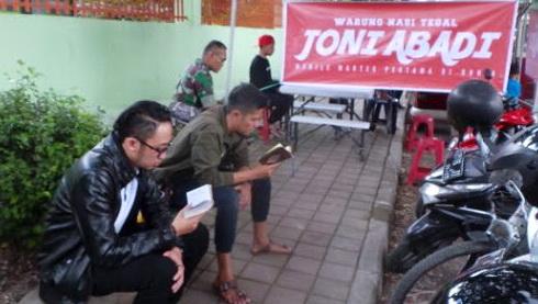 Ngaji 2 Juz, Bisa Makan Gratis di Warteg Keliling Ini