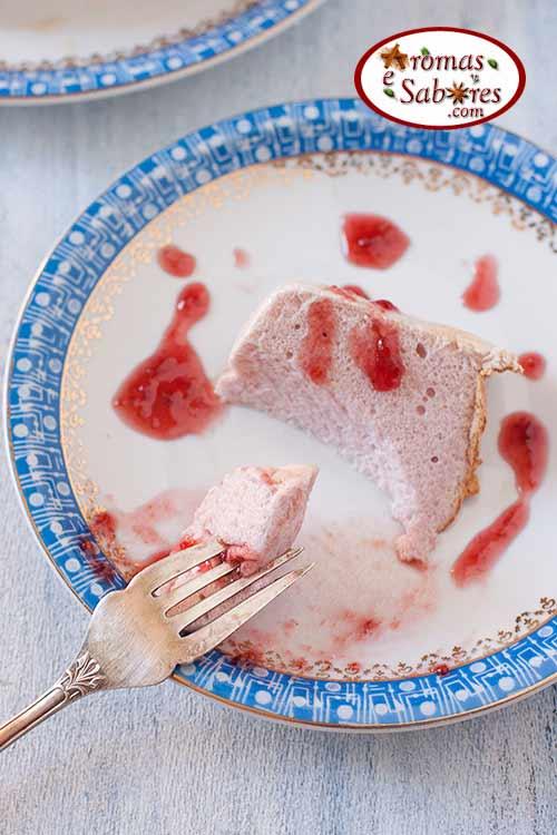 Pudim de claras cor de rosa