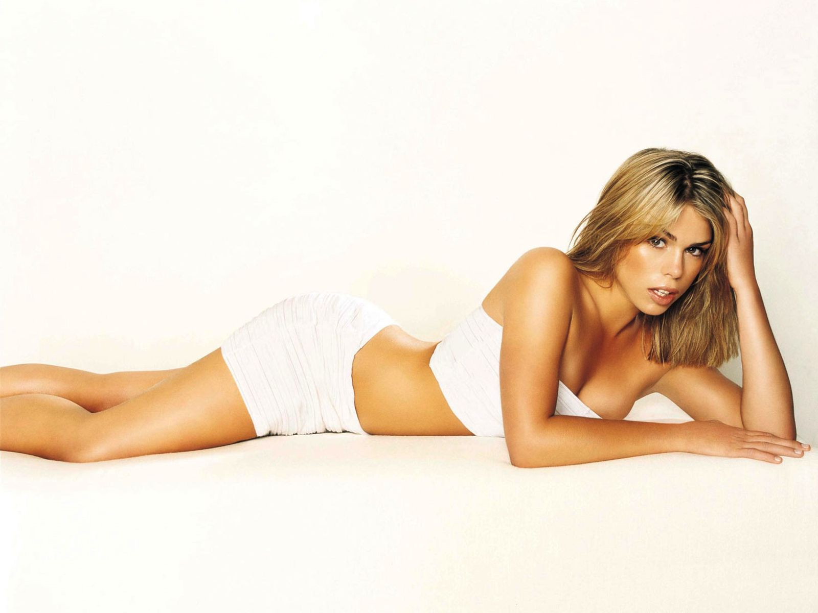 Hot billie piper 39 s wallpapers world amazing wallpapers for Hot wallpapers world