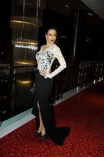 Actress Malaika Arora Khan Pictures in Stylish Dress at Kama Sutra Miss Maxim 2015 Grand Finale  6.JPG
