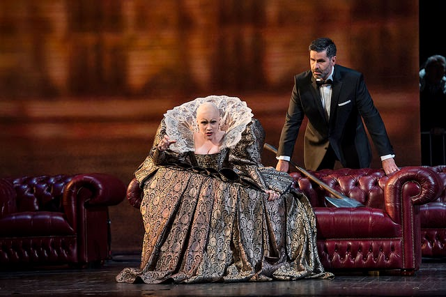 Carmen Giannattasio and Jeremy Carpenter in Maria Stuarda at the Royal Opera House (c) Bill Cooper / ROH 2014