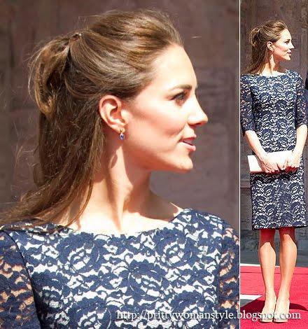 Кейт Мидълтън с къса дантелена рокля  в тъмносиньо