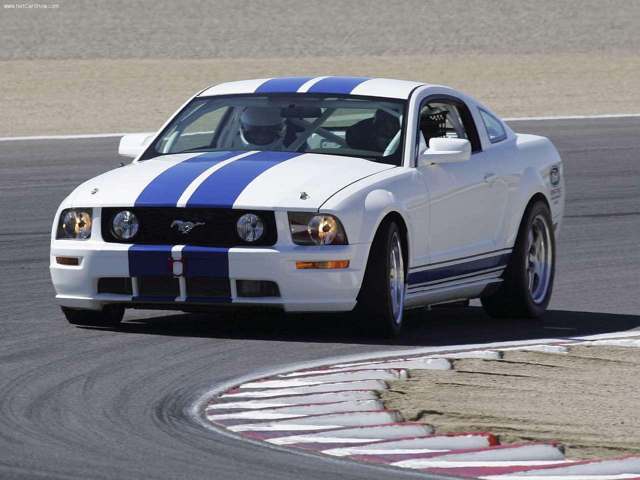 http://3.bp.blogspot.com/-k8pdaD7QEn8/TY0GDBdbLNI/AAAAAAAAGto/HceaV7sZxOk/s1600/Ford-Mustang_Racecar_Prototype_2005_1280x960_wallpaper_02.jpg