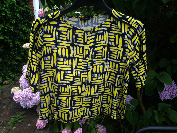 River Island YELLOW ART PRINT BOXY CROPPED T-SHIRT
