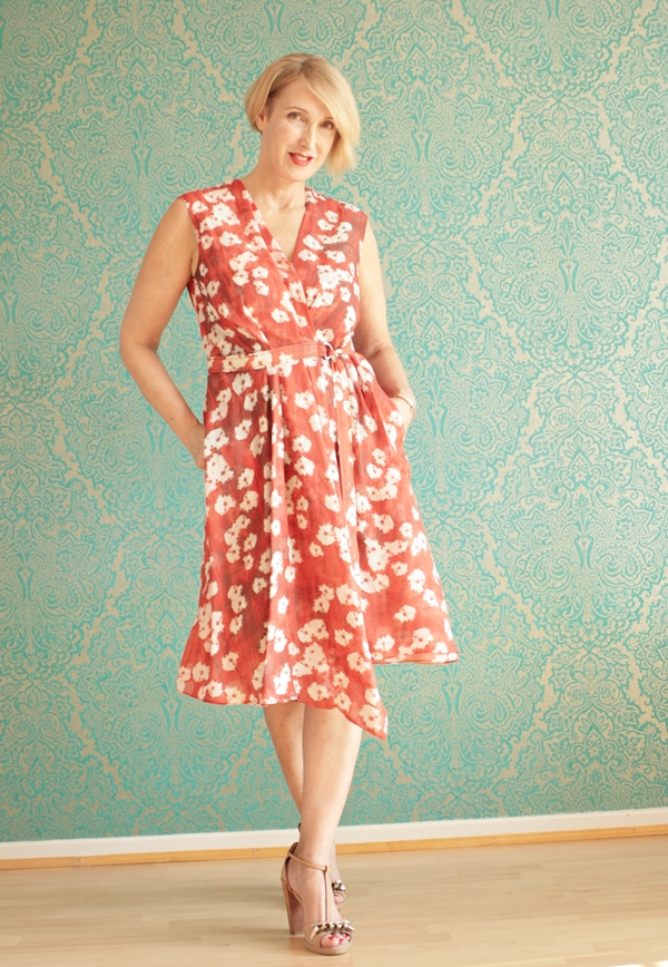 Luftiges Sommerkleid für die Ü40 Frau