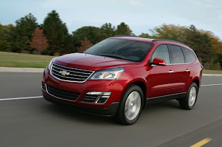 7-seater-suvs-with-good-gas-mileage-2012_chevrolet_traverse