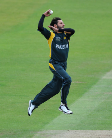 Shahid afridi is a beautiful and bats man beautiful bowler shah afridi