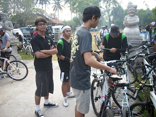 Fun Bike Pura Alas Arum 01.jpg