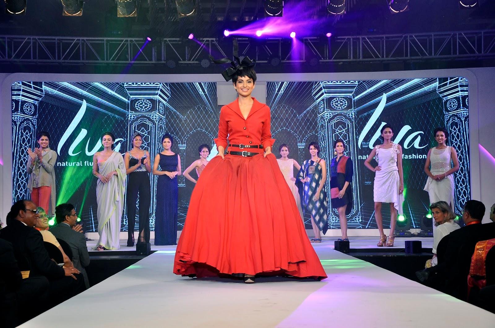 Kangana Ranaut walks the ramp with other models donninf LIVA, the new age fluid fabrics