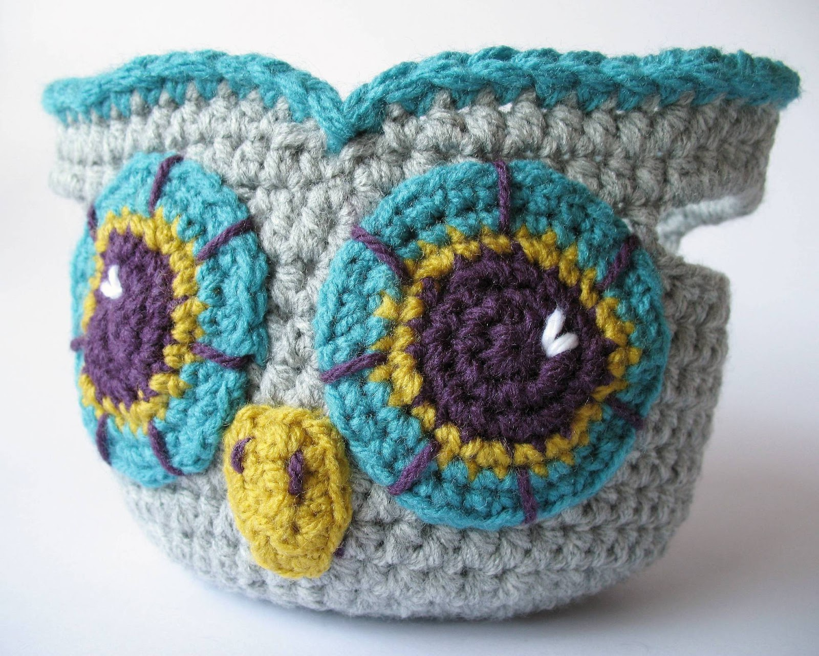 eclectic me: crochet owl basket...