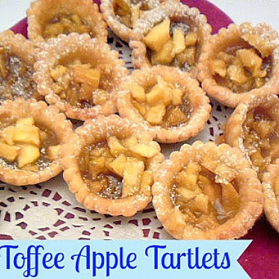 Toffee Apple Tartlets ~ Taste just like a Toffee Apple - only in a small pie ! #AppleRecipe #ToffeeApple