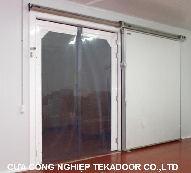 Cửa xoay tự động Clear PVC Swing door