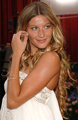 The key to balayage is that since theyre painted in, they look more natural. Jennifer Aniston made this look famous, too.