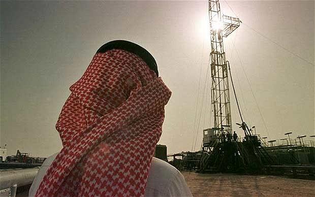 melemah harga minyak, arab saudi memangkas anggaran pengeluaran