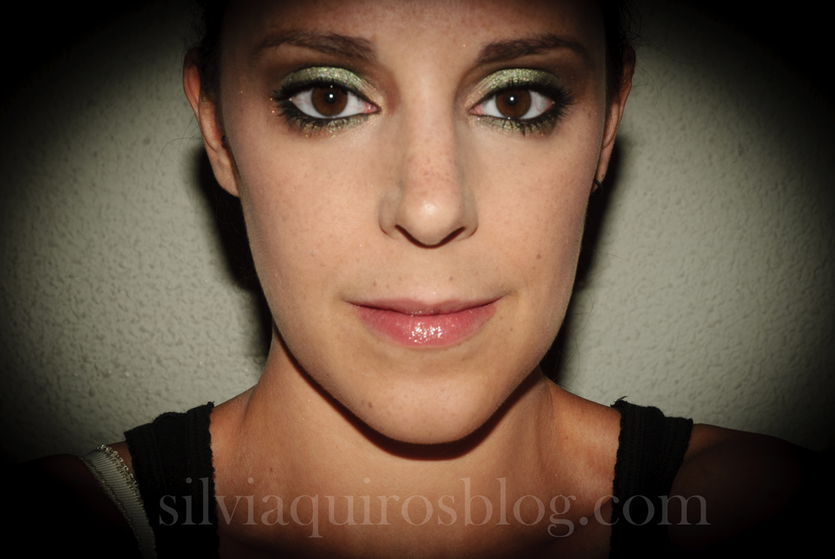 http://3.bp.blogspot.com/-kAGZT2kGXcw/UFFBV8W67zI/AAAAAAAARi4/FFQGMUIhQ2Y/s1600/scarlett+johansson+verde13.jpg