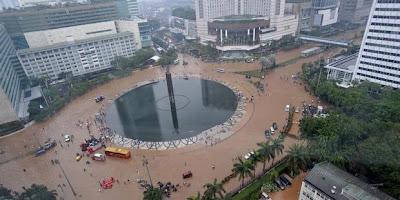 [imagetag] http://3.bp.blogspot.com/-kAL0mslqYKI/UPsuxn11W6I/AAAAAAAAB2A/9oVRnTy4LPs/s1600/set-kawasan-bundaran-hotel-indonesia-dan-jalan-mh-thamrin-jakarta-terendam-banjir-620X310.jpg