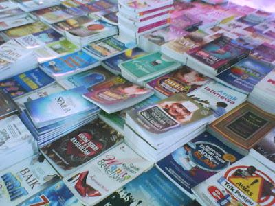 Menyamakan Menerbitkan Entri di Blog Dengan Menerbitkan Sebuah Buku