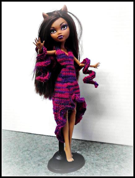 Knitting Patterns For Monster High Dolls : The Pixie House: Monster high knitting pattern