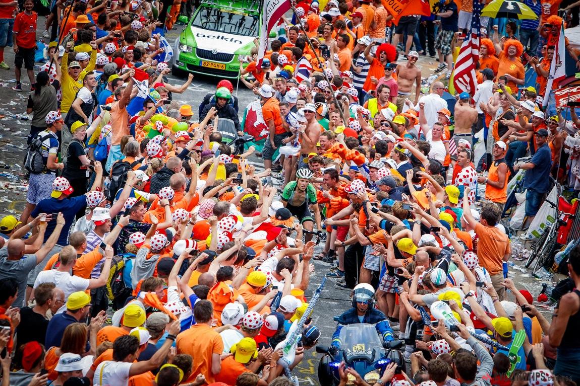 Alpe D\' Huez: Dura escalada de las 21 curvas del Tour de Francia ...