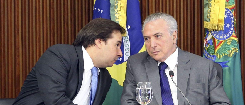 MAIA DIZ QUE SERÁ DIFÍCIL RESISTIR À PRESSÃO SOBRE IMPEACHMENT DE TEMER
