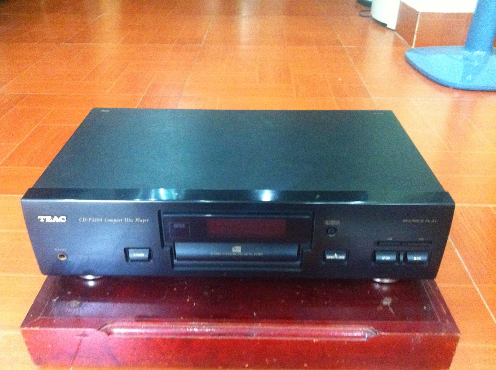 CD Player - TEAC - P3200 - Made in Japan