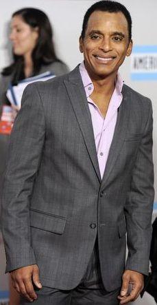 Foto de Jon Secada en los American Music Awards 2011