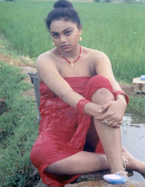 tamil girls bath nude