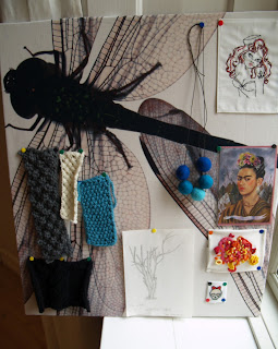 Opslagstavle med stof på til kreativ inspiration