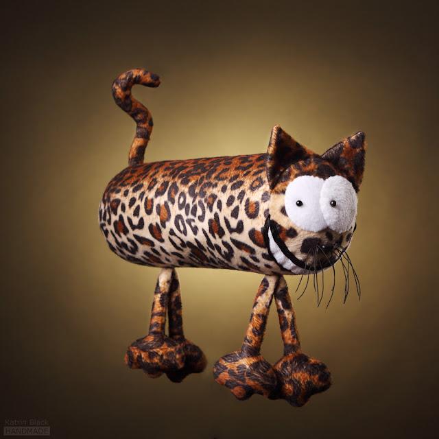 Леопард - подушка-батон- мягкая игрушка из меха ручной работы от Katrin Black