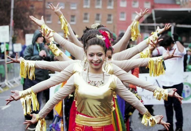 Frases De st-st patrick-saint patrick: Happy St Patick's Day  Dancers