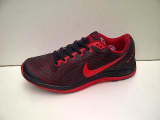 Sepatu Nike TAILWIND 2015