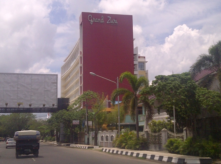 catatan si goiq review hotel grand zuri palembang