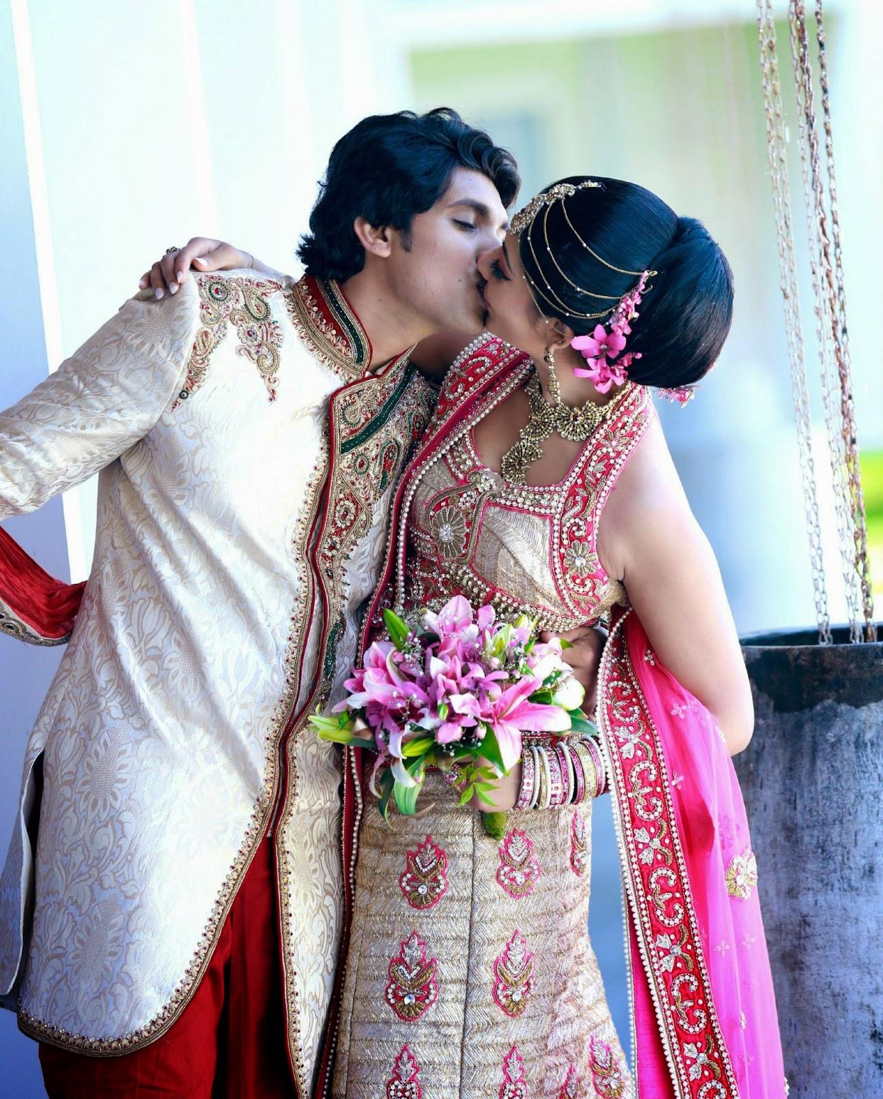 Udari Kaushalya and Sangeeth kiss