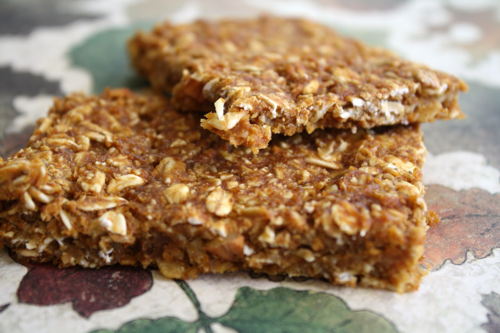 Cookie Jar Treats: Ultra Chewy Pumpkin Granola Bars