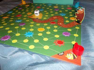 Playing Buzz by Peaceable Kingdom