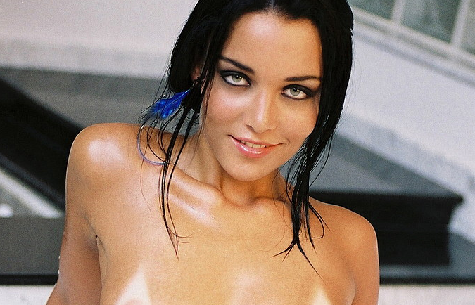 Renata Schmidt Nude