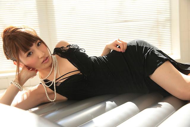 Aizawa Karin 愛沢かりん Photos 14