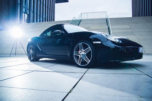 Foto von Porsche im Medienhafen Düsseldorf am Hyatt Hotel Auto-Fotoshooting Andreas Blauth