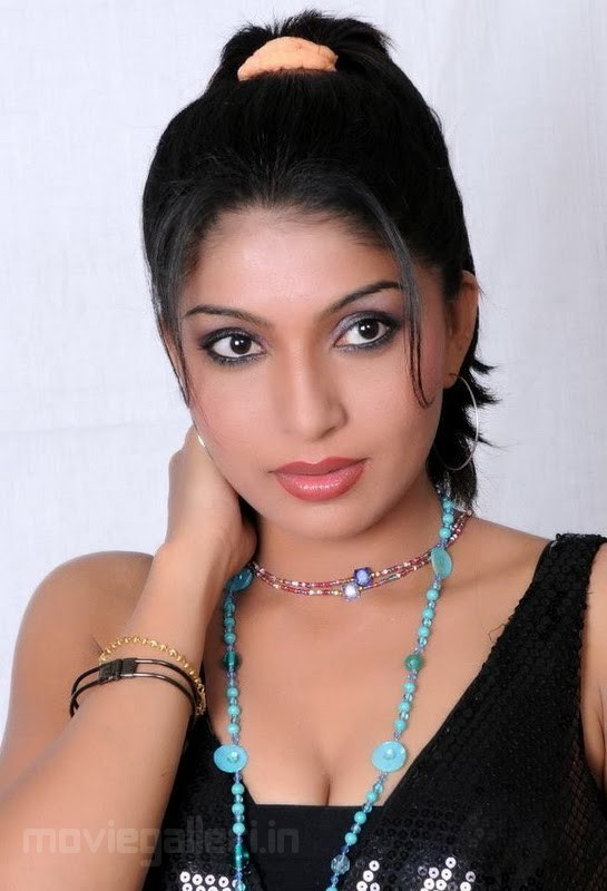 Pooja Roshan Hot Stills