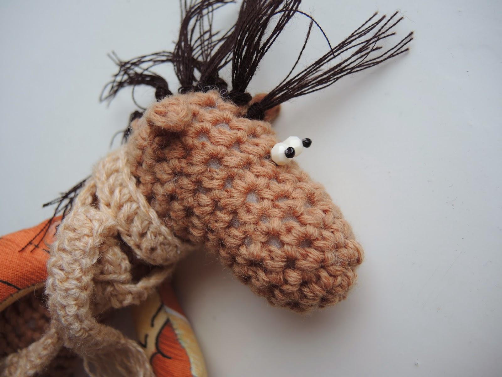 вязание игрушка лошадка
