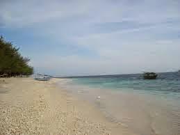 Pantai Sanur tak kalah cantiknya dengan Pantai Kuta