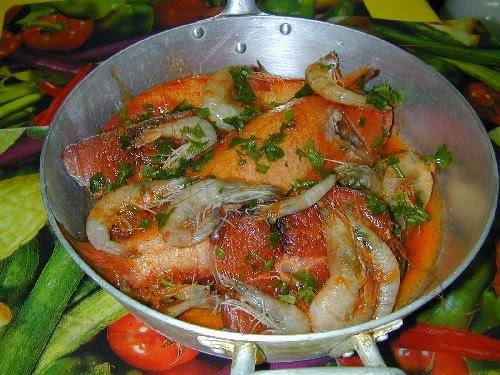 Il Cacciucco O Zuppa Di Pesce Brodo Di Giuggiola