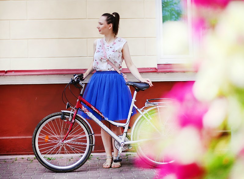 http://annaonopiuk.blogspot.com/2014/07/stylizacja-na-rower.html