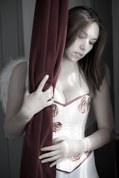 Corset robe de mariée ivoire et rouge