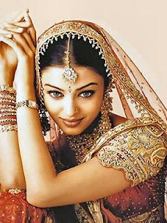 Aishwarya rai in bridal dress best wedding theme for Aishwarya rai in her wedding dress