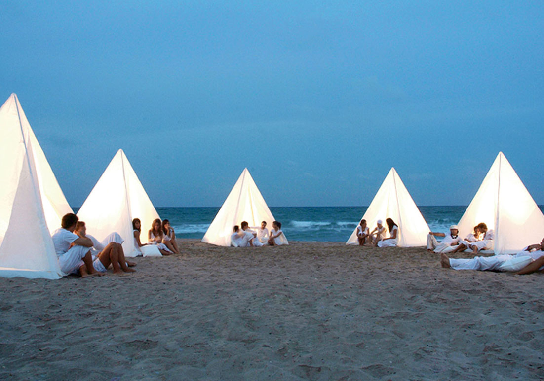 TIPI TENT for festival season. Gandia Blasco Tipi Teepee & THE DARK: TIPI TENT for festival season