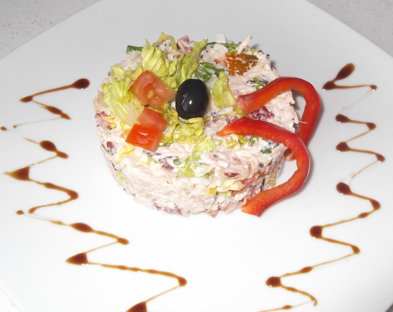 Platos y dulces tartar de arroz en ensalada for Platos dulces