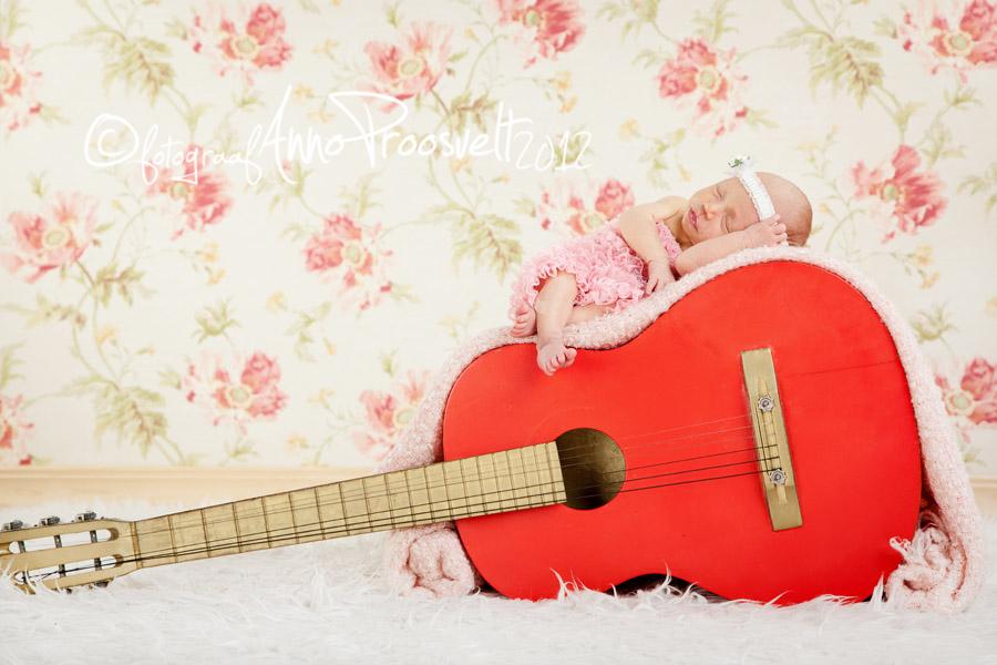 beebi-kitarril-newborn