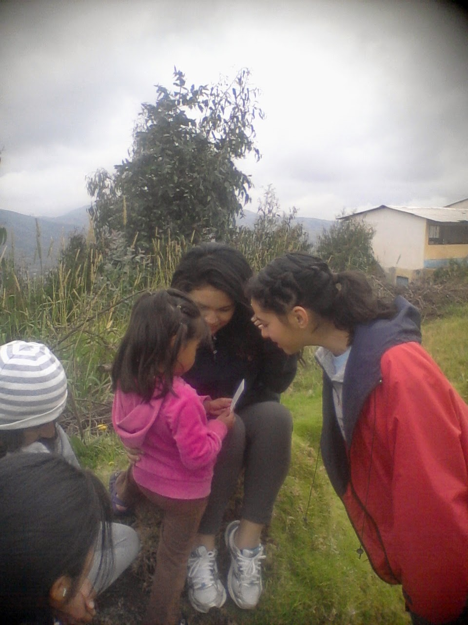 viva agua, ecuador, volunteer