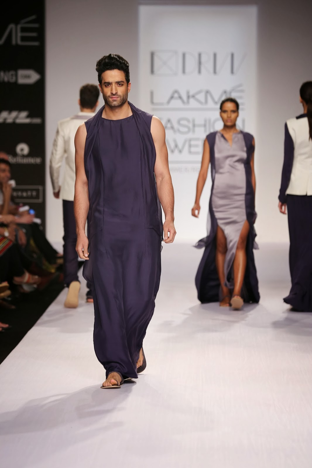"""2 Faced"" garments like the coat back jumpsuit for men added to the fashion quotient for a very Zen like look that created a striking fashion statement for Dhruv Kapur's collection."